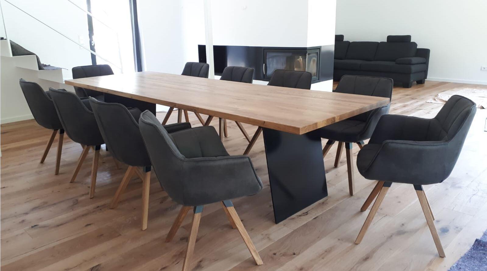 Bank Tisch-Gruppe Individuell gefertigt, Unterbau Stahl